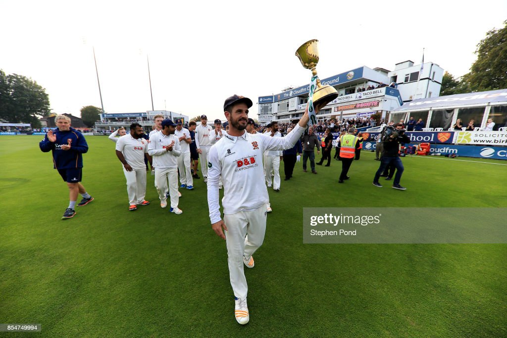 Ryan ten Doeschate of Essex lifts the County Championship trophy during day three of the Specsavers County Championship Division One match between Essex and Yorkshire at the Cloudfm County Ground on September 27, 2017 in Chelmsford, England.
