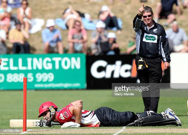 Ryan ten Doeschate of the Wizards is run out during the HRV T20 Cup match between the Wellington Firebirds and Canterbury Wizards at Basin Reserve on...
