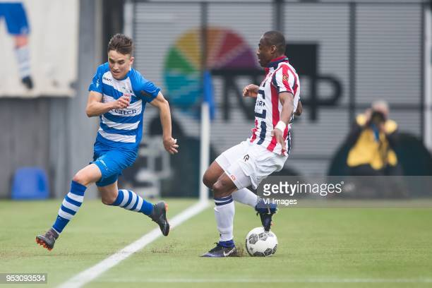 Ryan Thomas of PEC Zwolle Eyong Enoh of Willem II during the Dutch Eredivisie match between PEC Zwolle and Willem II Tilburg at the MAC3Park stadium...