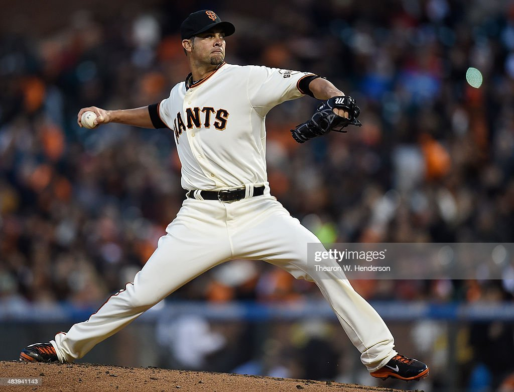 Ryan Vogelsong #32 of the San Francisco Giants pitches against the Arizona Diamondbacks in the top of the first inning at AT&T Park on April 10, 2014 in San Francisco, California.