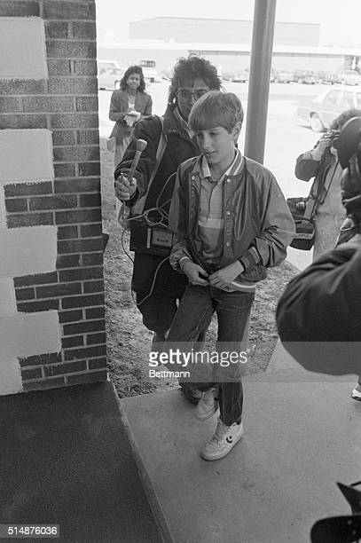 Ryan White an Indiana teenager with AIDS returns to the school that he was barred from because of his disease | Location Clinton Indiana USA