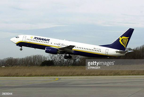 Ryanair low cost airline company plane takes off from Brussels South Airport in Charleroi 03 February 2004 as the European Commission Tuesday found...