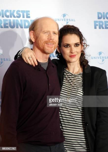 Ryder Winona Schauspielerin USA mit Regisseur Ron Howard anlaesslich Filmpremiere 'Dickste Freunde' in Berlin