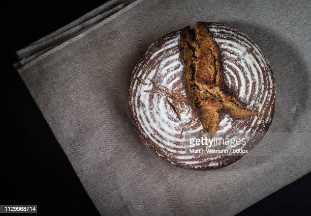 rye bread roggenbrot - weizen stock pictures, royalty-free photos & images