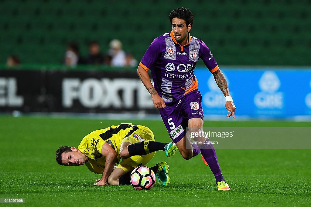 Ryhs Williams of the Perth Glory makes space during the round one A-League match between the Perth Glory and the Central Coast Mariners at nib Stadium on October 8, 2016 in Perth, Australia.