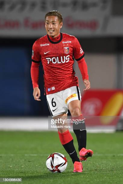 Ryosuke Yamanaka of Urawa Reds in action during the J.League J.League YBC Levain Cup Group C match between Shonan Bellmare and Urawa Red Diamonds at...