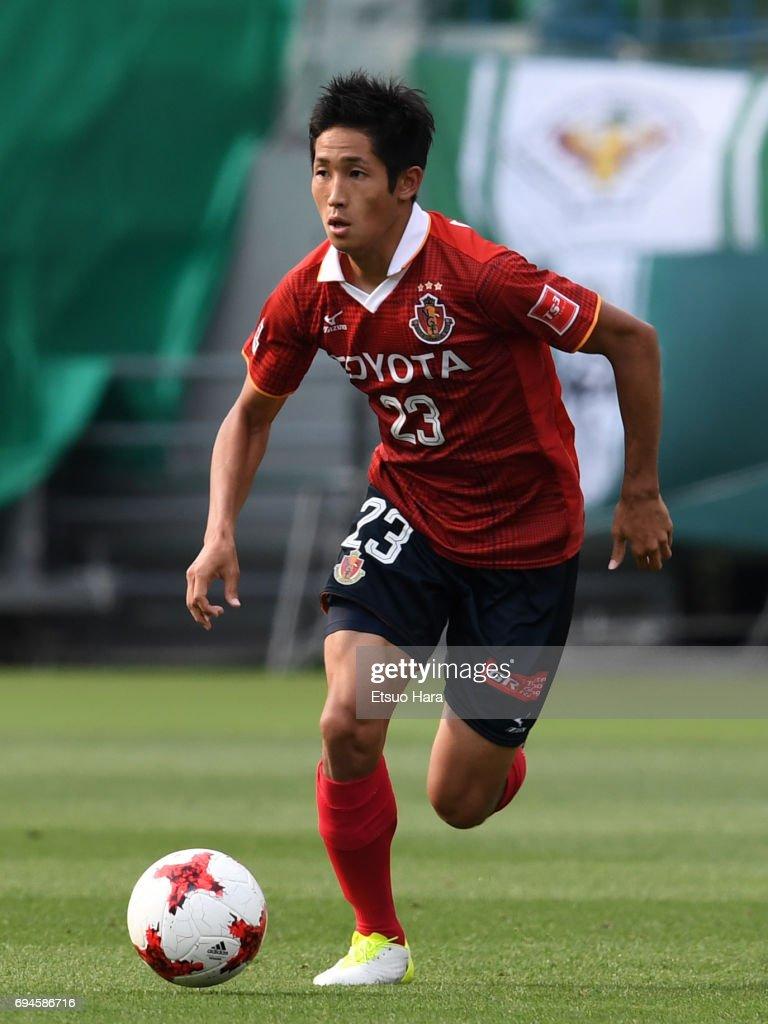 Tokyo Verdy v Nagoya Grampus - J.League J2 : ニュース写真