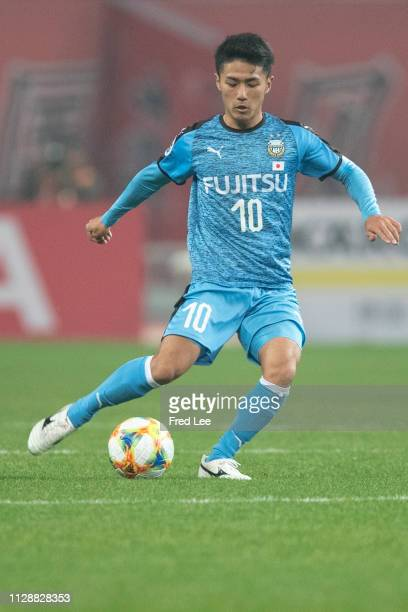 Ryota Oshima of Kawasaki Frontale in action during the AFC Champions League Group H match between Shanghai SIPG and Kawasaki Frontale at Shanghai...