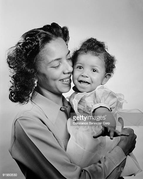 1940's african american mother and daughter - {{relatedsearchurl(carousel.phrase)}} stock pictures, royalty-free photos & images