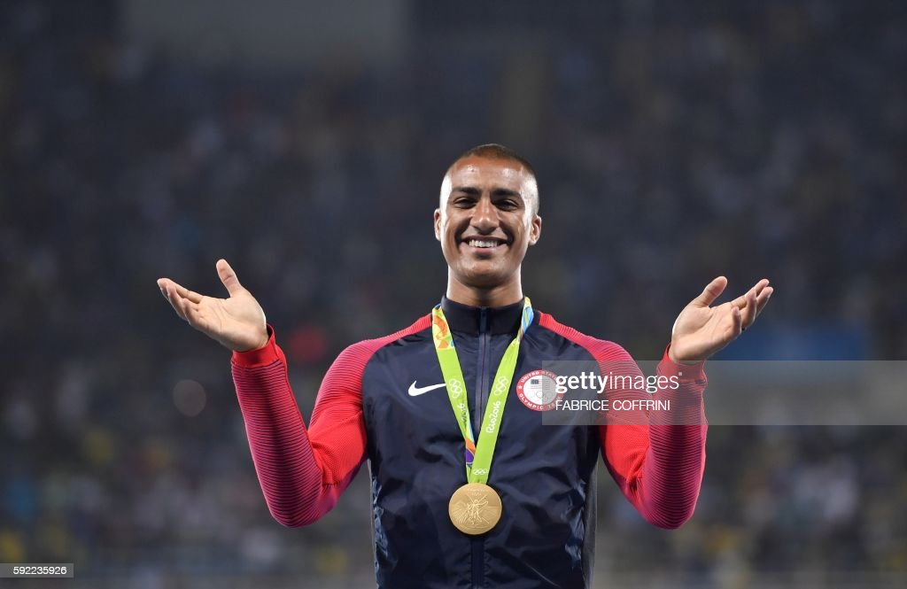 TOPSHOT-ATHLETICS-OLY-2016-RIO-PODIUM : News Photo