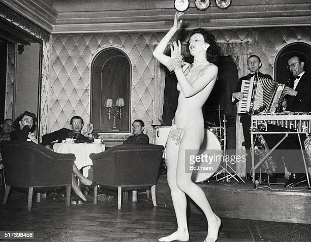 1930's Berlin Germany Berlin night club of the early 1930's with strip tease act Valina Vallona does her thing at the Picadilly Club