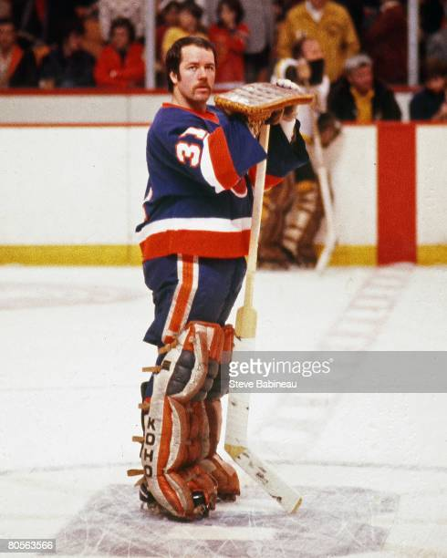 MA 1970's Billy Smith of the New York Islanders in pre game warm up before game against the Boston Bruins at the Boston Garden