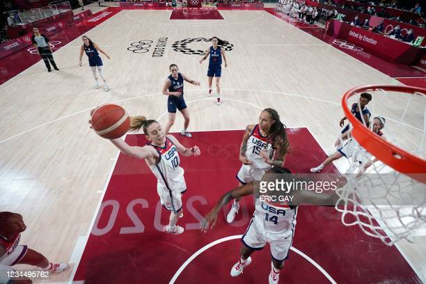 S Breanna Stewart goes to the basket in the women's semi-final basketball match between USA and Serbia during the Tokyo 2020 Olympic Games at the...