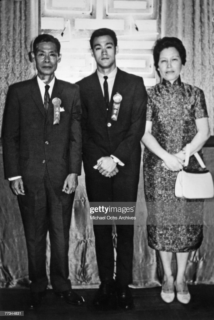 Bruce Lee And Parents : News Photo