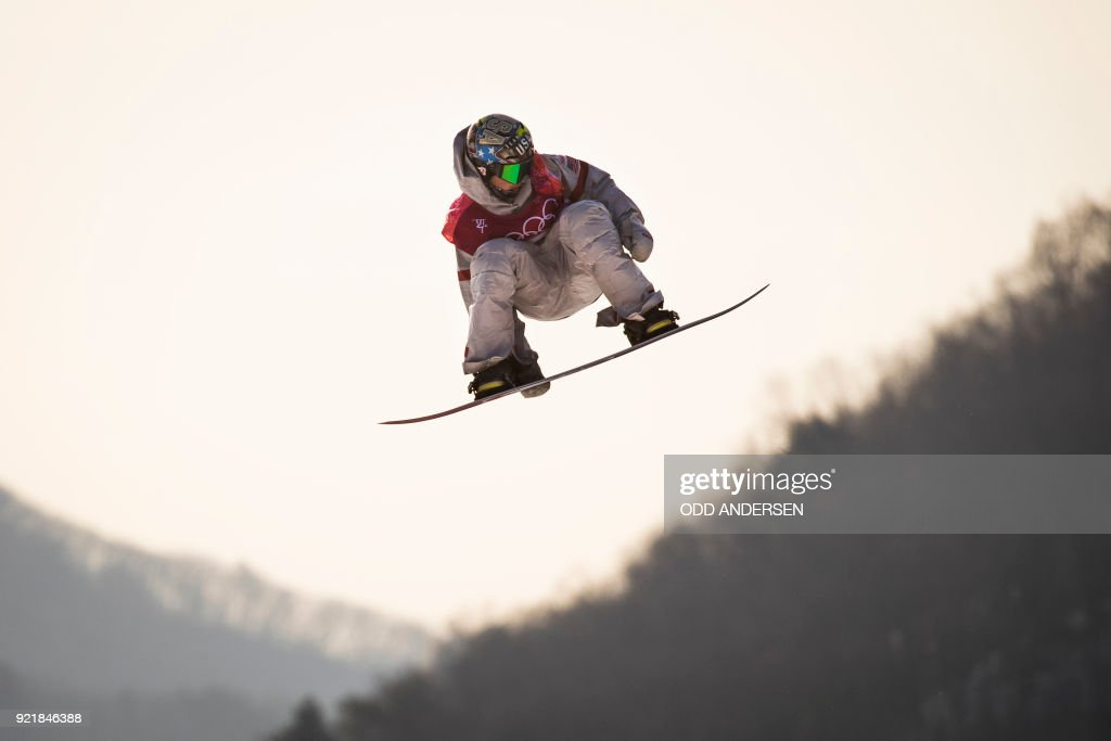USA's Chris Corning competes during the qualification of the men's snowboard big air event at the Alpensia Ski Jumping Centre during the Pyeongchang 2018 Winter Olympic Games in Pyeongchang on February 21, 2018. / AFP PHOTO / Odd ANDERSEN