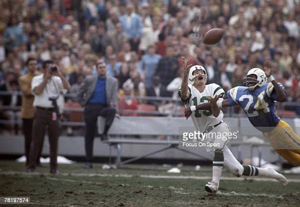 SAN DIEGO CA CIRCA 1960's Don Maynard of the New York Jets stretches out for a pass as Bob Howard of the San Diego Chargers defends during their game...