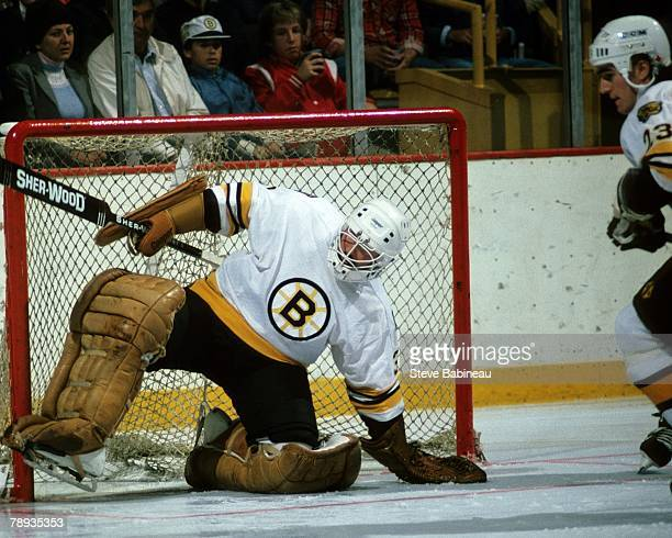 BOSTON MA 1980's Doug Keans the Boston Bruins plays