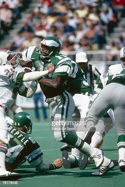 PHILADELPHIA PA CIRCA 1970's Harold Carmichael of the Philadelphia Eagles against the Miami Dolphins in a circa 1970's NFL football game at Veteran...
