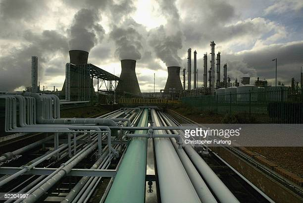 GRANGEMOUTH SCOTLAND NOVEMBER 1 BP's Huge oil refinery complex continues it's 24 hour production of petroleum and gas November 1 2004 at Grangemouth...