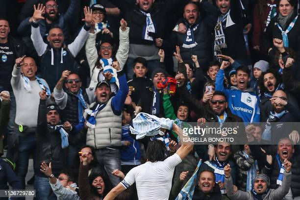 S Italian forward Sergio Floccari celebrates with fans after scoring during the Italian Serie A football match SPAL 2013 vs Juventus on April 13,...