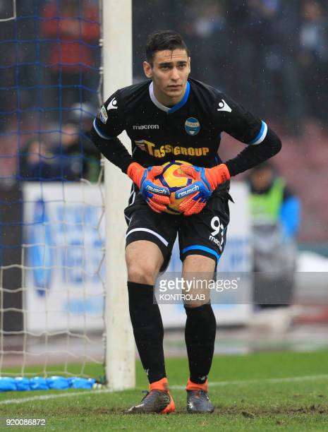 STADIUM NAPLES CAMPANIA ITALY SPAL's Italian goalkeeper Alex Meret keep the ball during the Italian Serie A football match SSC Napoli vs SPAL 2013 at...