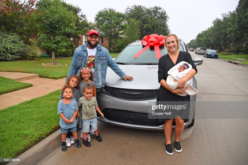 """ABC's """"Jimmy Kimmel Live!"""" Gifts Texas Family With A New Chrysler Pacifica As A SURPRISE : News Photo"""