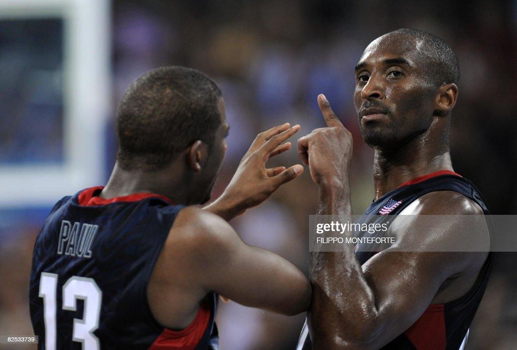 USA's Kobe Bryant (R) and USA's Paul Chr : News Photo