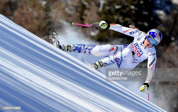 TOPSHOT USA's Lindsey Vonn competes during the Women's Super G event of the FIS Alpine skiing World Cup in Cortina d'Ampezzo Italian Alps on January...