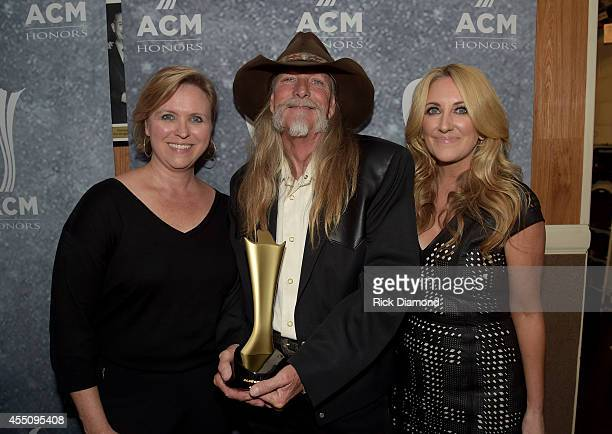 S Lisa Lee, Dean Dillon, and Lee Ann Womack pose backstage at the 8th Annual ACM Honors at Ryman Auditorium on September 9, 2014 in Nashville,...