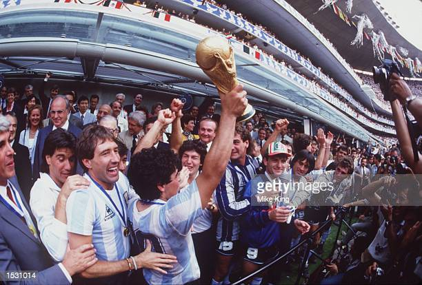 WORLD's MEDIA AFTER ARGENTINA BEAT GERMANY 32 TO WIN THE 1986 SOCCER WORLD CUP FINAL Mandatory Credit Mike King/ALLSPORT