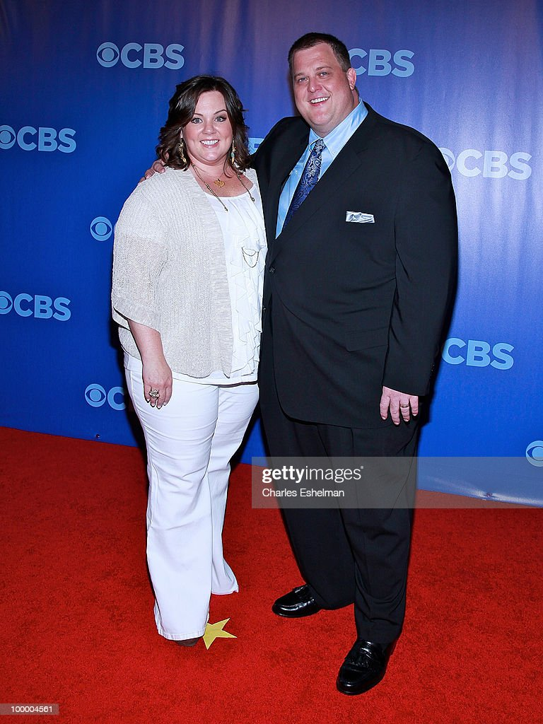 CBS's 'Mike & Molly' actors Billy Gardell and Melissa McCarthy attend the 2010 CBS UpFront at Damrosch Park, Lincoln Center on May 19, 2010 in New York City.