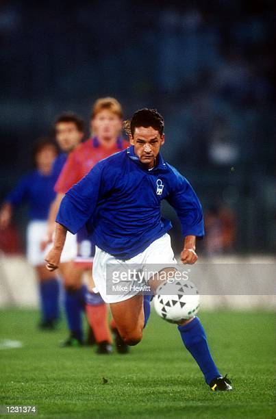ITALY's NATIONAL SOCCER TEAM IN ACTION DURING THEIR WORLD CUP QUALIFYING GAME AGAINST SCOTLAND Mandatory Credit Mike Hewitt/ALLSPORT