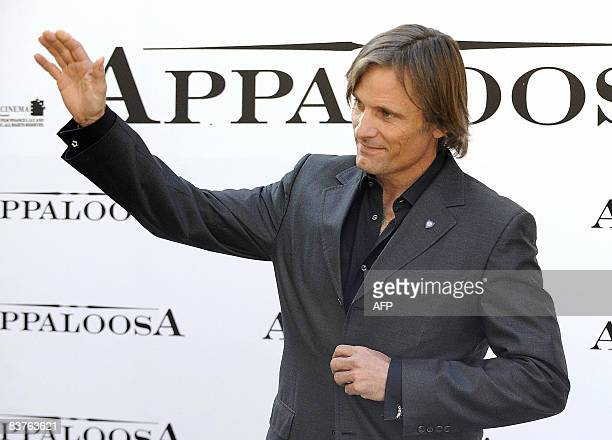 """S of Danish origin actor Viggo Mortensen poses during a photocall to promote the movie """"Appaloosa"""" in Madrid on November 20, 2008. AFP PHOTO /..."""
