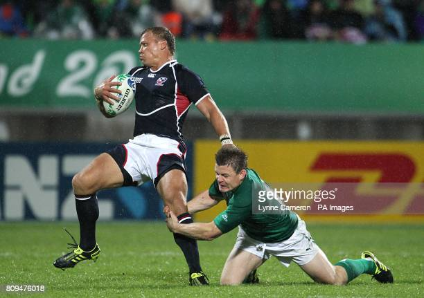 USA's Paul Emerick and Ireland's Brian O'Driscoll battle for the ball