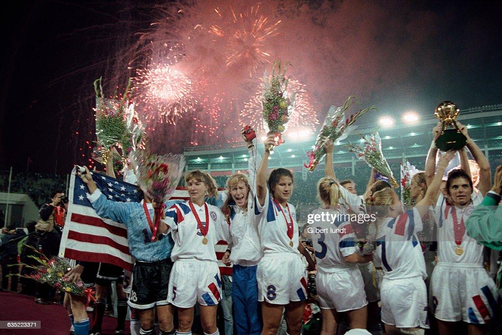 Soccer - Atlanta 1996 - Women's Final : News Photo