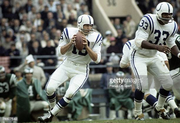 PHILADELPHIA PA CIRCA 1970's Quarterback Johnny Unitas of the Baltimore Colts drops back to pass against the Philadelphia Eagles during an early...