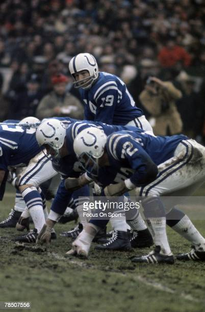 S: Quarterback Johnny Unitas of the Baltimore Colts is under center during a late circa 1960's NFL football game at Memorial Stadium in Baltimore,...