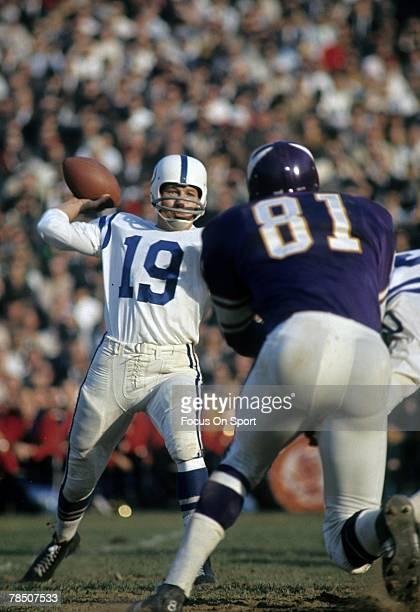 MINNEAPOLIS MN CIRCA 1960's Quarterback Jonny Unitas of the Baltimore Colts is set to throw a pass against the Minnesota Viking during a late circa...