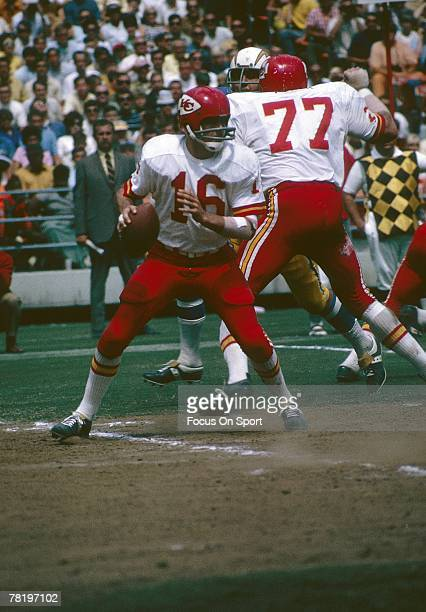 SAN DIEGO CA CIRCA 1970's Quarterback Len Dawson of the Kansas City Chiefs drops back to pass against the San Diego Charger during an early circa...