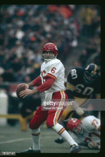 PITTSBURGH PA CIRCA 1970's Quarterback Len Dawson of the Kansas City Chiefs is back to pass against the Pittsburgh Steeler during an early circa...