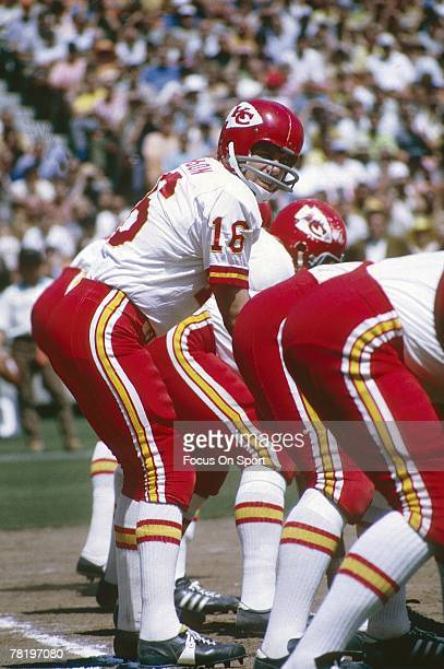 SAN DIEGO CA CIRCA 1970's Quarterback Len Dawson of the Kansas City Chiefs is under center against the San Diego Charger during an early circa 1970's...
