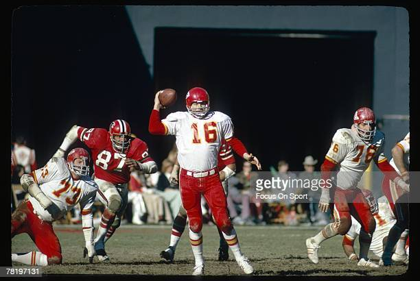 ATLANTA GA CIRCA 1970's Quarterback Len Dawson of the Kansas City Chiefs scrambles against the Atlanta Falcons during an early circa 1970's NFL...