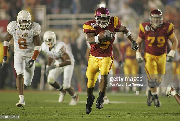 S Reggie Bush breaks a run during the second quarter as No. 2 Texas beat No. 1 USC 41-38, Wednesday, January 4, 2006 in the Rose Bowl in Pasadena,...