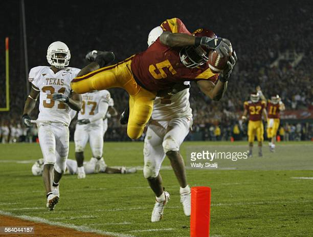 S Reggie Bush goes upside down to score a touch down in the fourth quarter against the Texas Longhorns for the national championship at the Rose Bowl...