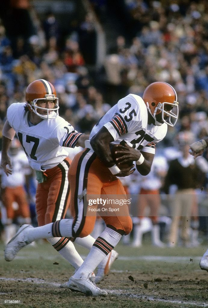 Cleveland Browns v Baltimore Colts : News Photo