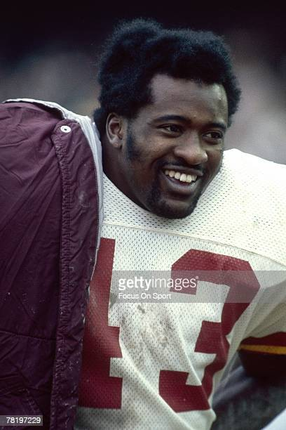 CIRCA 1970's Running back Larry Brown of the Washington Redskins on the sidelines during a circa 1970's NFL football game Brown played for the...