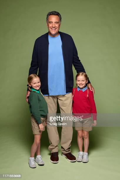 PARENTS ABC's Single Parents stars Ella Allan as Amy Fogerty Brad Garrett as Douglas Fogerty and Mia Allan as Emma Fogerty