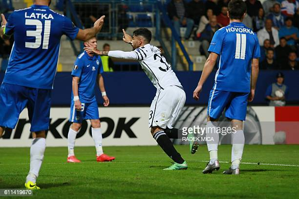 S Stefanos Athanasiadis celebrates scoring the 2-1 goal during the UEFA Europa League first-leg football match between AC Sparta Prague and FC Slovan...