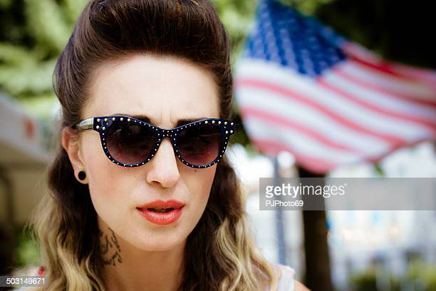 1950's style - portrait of american woman with sunglasses - pjphoto69 個照片及圖片檔