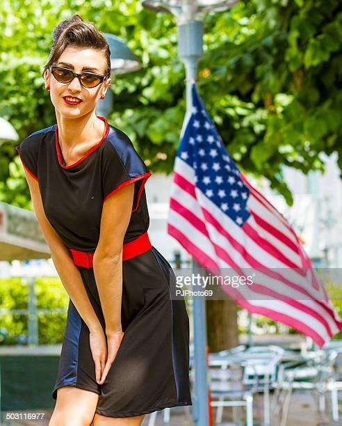 1950 er-Stil-Porträt von Frau schöne amerikanische